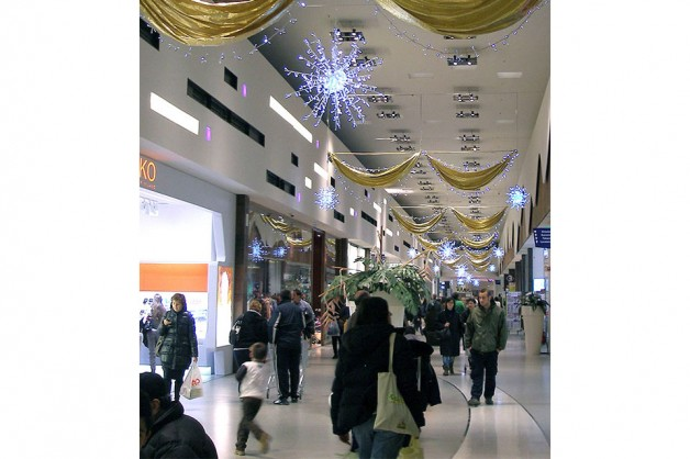 Indoor Decorations for Shopping Centers 14