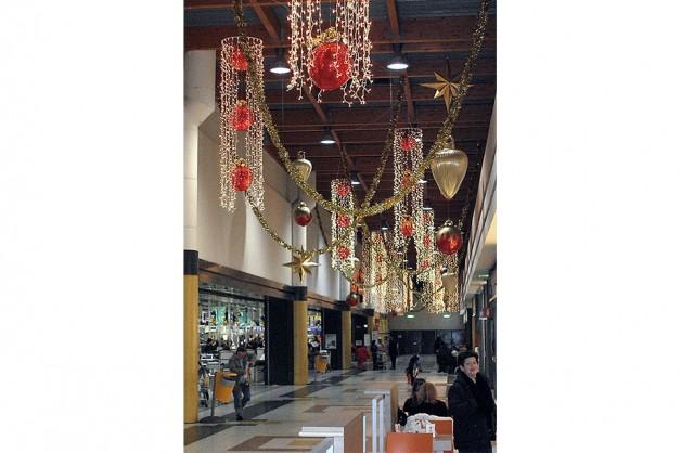 Decorazioni interni centri commerciali 22