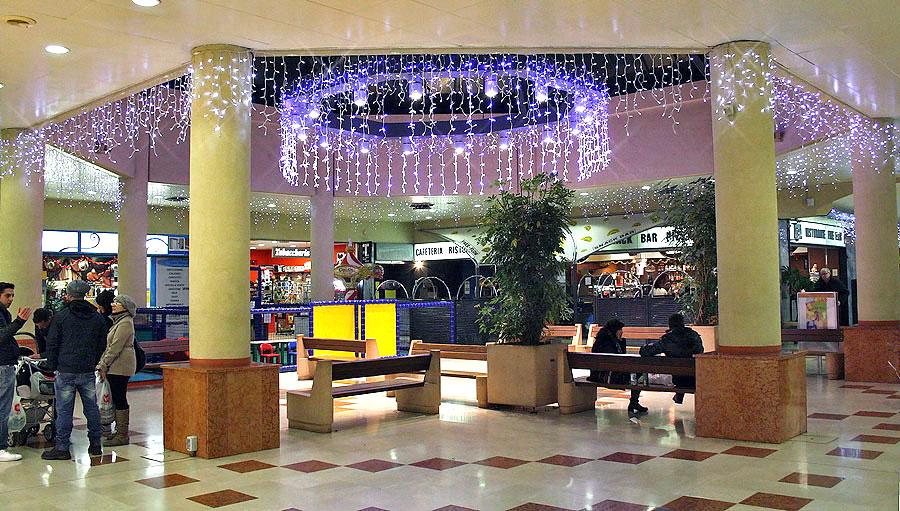Decorazioni Luminose Per Interni : Galleria fotografica u decorazioni luminose interne ed esterne per